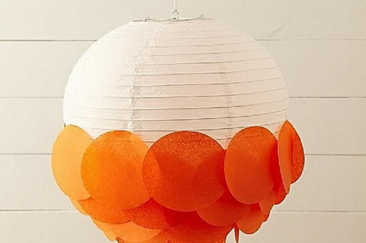 Пышные шарики - Плафон для люстры своими руками