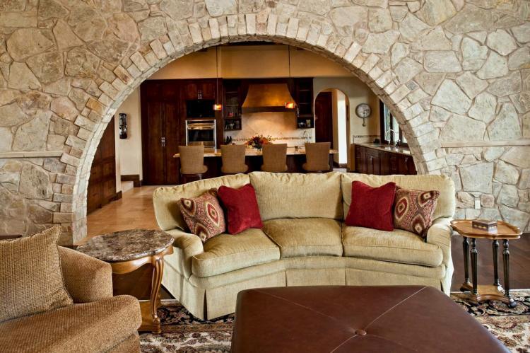 Дерево и камень - Отделка арки из гипсокартона