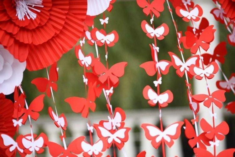 Завеса из бабочек на стену своими руками