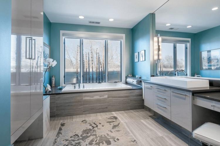 Бирюзовый цвет в интерьере ванной комнаты