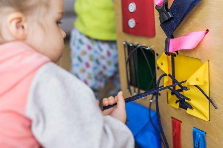 Подготовка и материалы - Бизиборд для детей своими руками