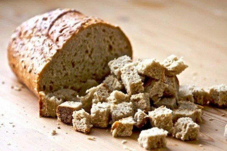 Подкормка пионов хлебом