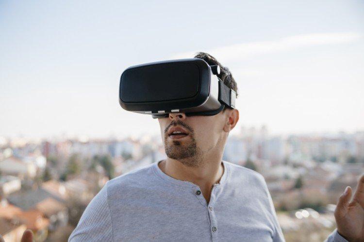 Очки виртуальной реальности - Что подарить мужу на День рождения