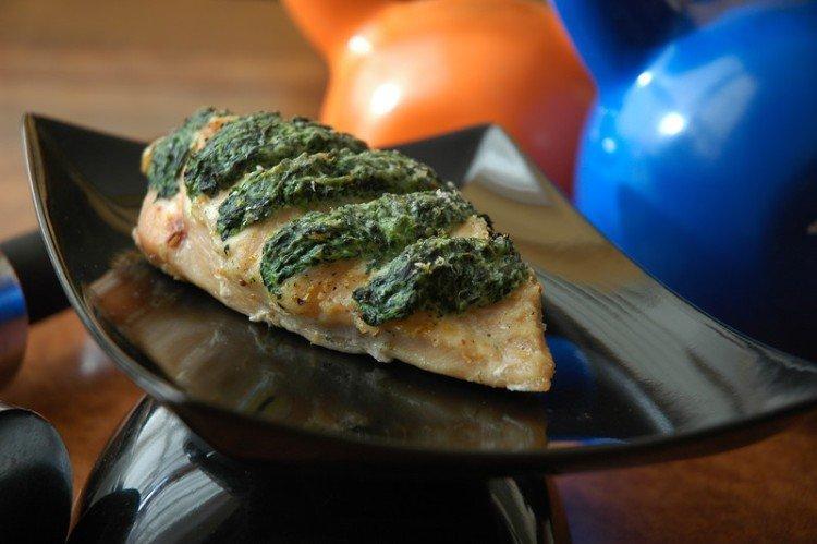 Курица со шпинатом и сыром - Что приготовить из курицы