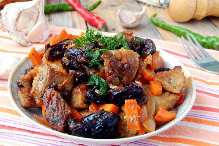 Свинина с черносливом - Что приготовить из свинины