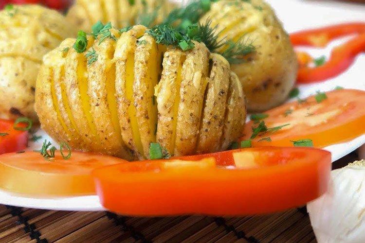 Картофельный веер на горячее - Что приготовить на День рождения рецепты