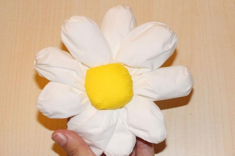 Ромашка - Цветы из салфеток своими руками