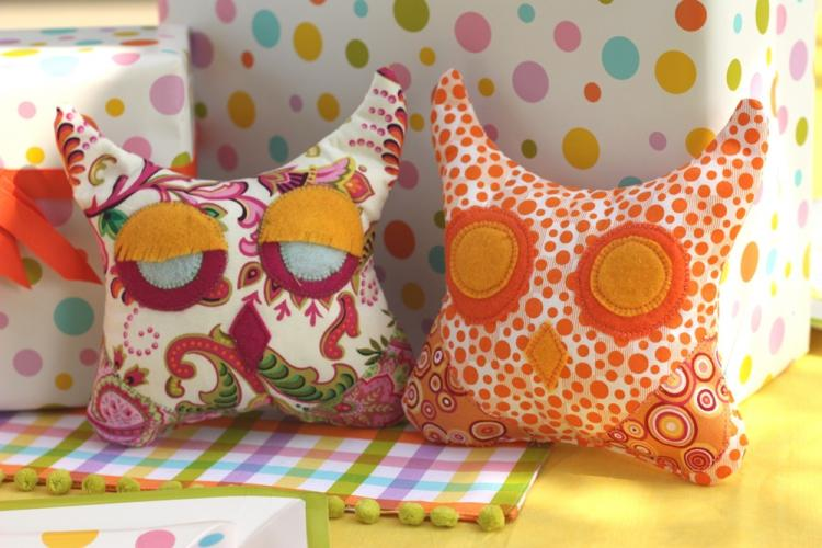 Декоративные подушки - Декор комнаты своими руками
