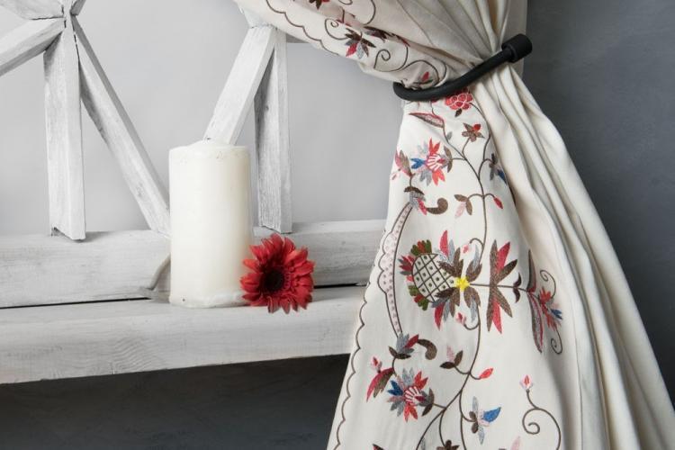 Вышивка - Декор комнаты своими руками