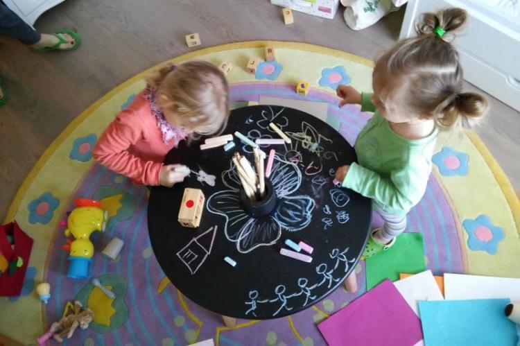 Грифельная краска - Декор старого стола своими руками