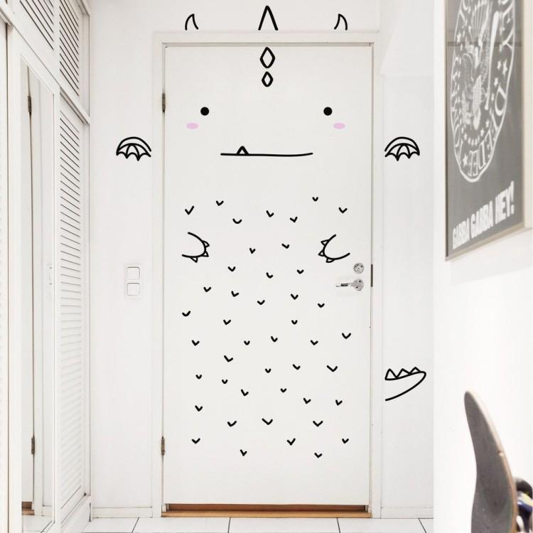 Наклейки и трафареты - Декор старых дверей своими руками