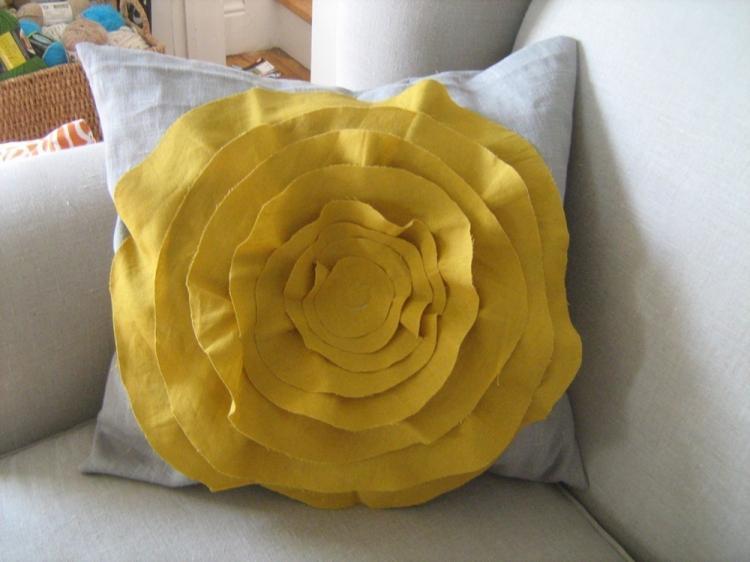 Подушка с розой - Выкройки и идеи для декоративных подушек своими руками