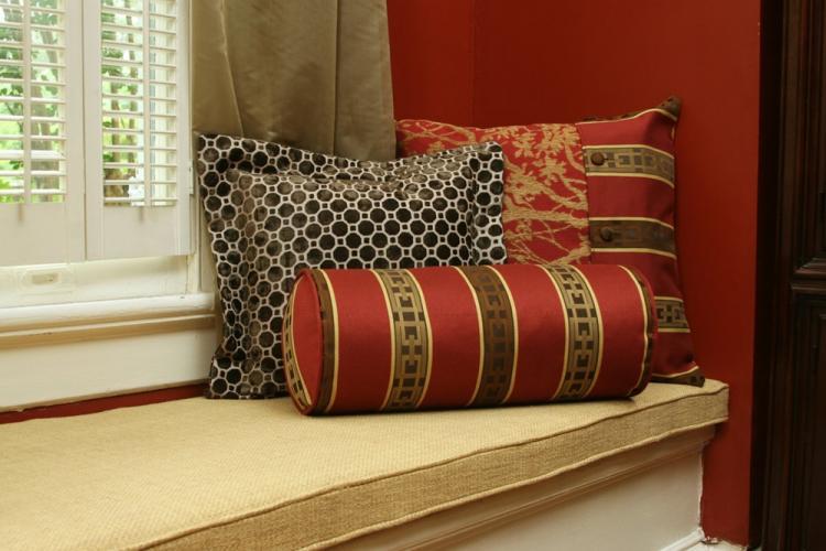 Подушки-валики - Выкройки и идеи для декоративных подушек своими руками