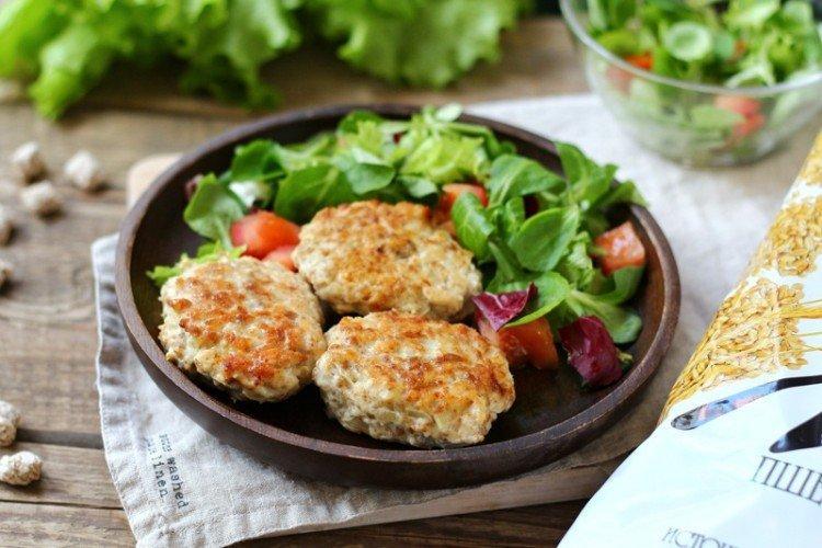 Куриные котлеты с отрубями - Диетические блюда рецепты
