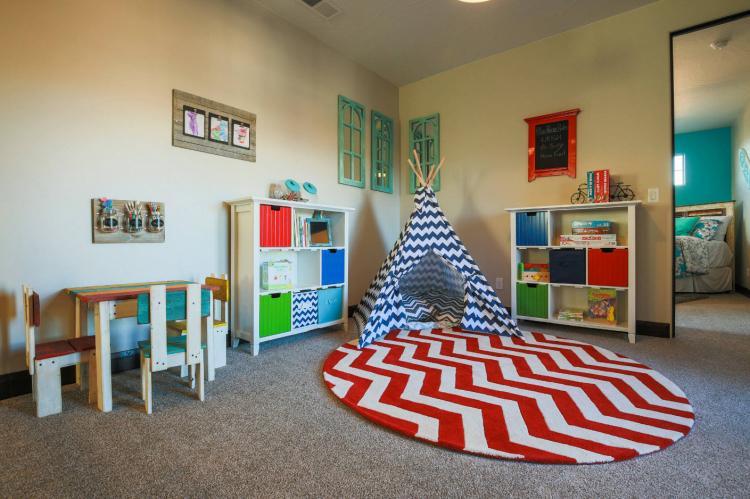 Игровая зона - Дизайн детской комнаты для девочки