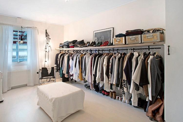 Линейная планировка гардеробной комнаты