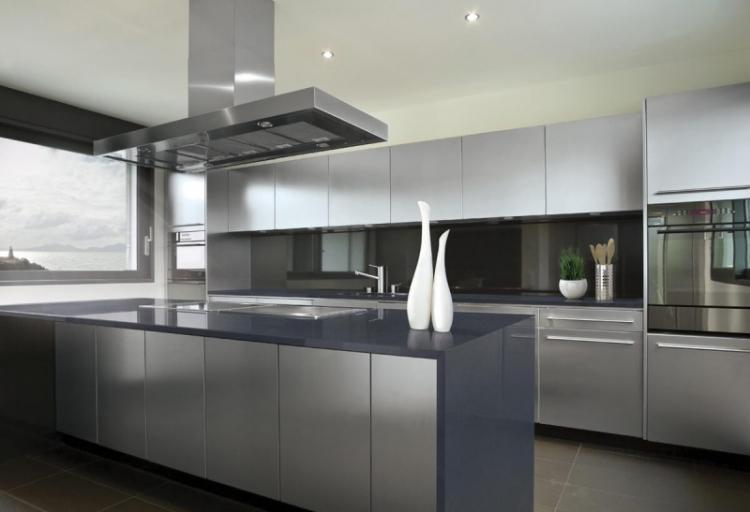 Кухня в стиле хай-тек - Дизайн интерьера
