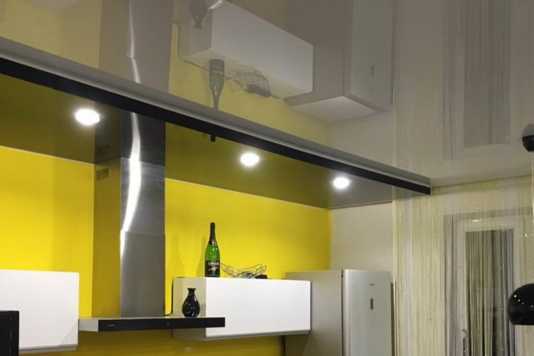 Отделка потолка - Дизайн кухни 10 кв.м.