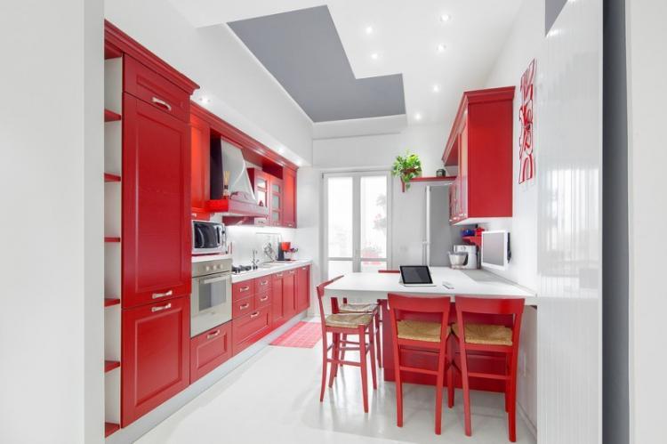 Красная кухня 13 кв.м. - Дизайн интерьера