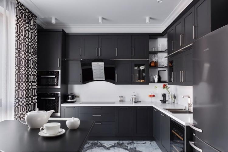 Черная кухня 13 кв.м. - Дизайн интерьера