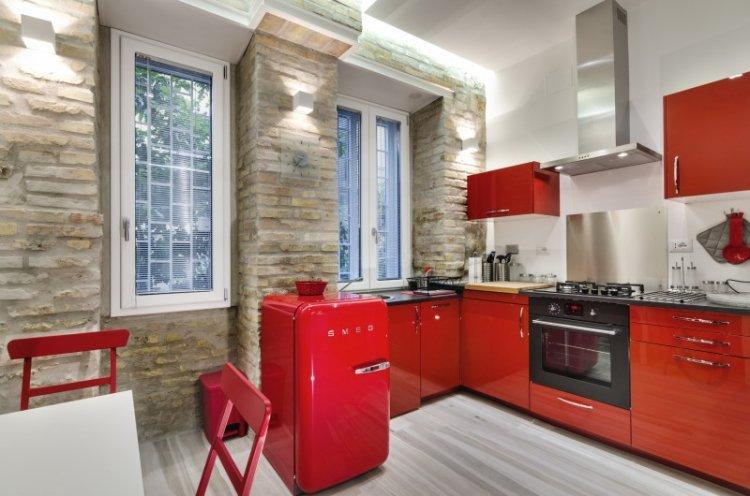 Красная кухня 14 кв.м. - Дизайн интерьера