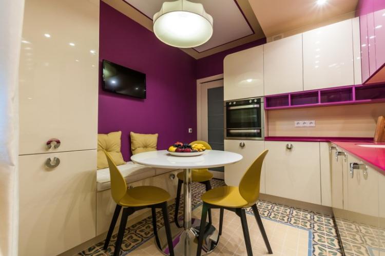 Фиолетовая кухня 3 на 4 - Дизайн интерьера