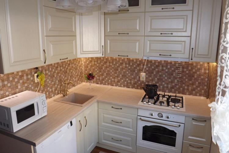 Дизайн кухни 7 кв.м. - фото реальных интерьеров