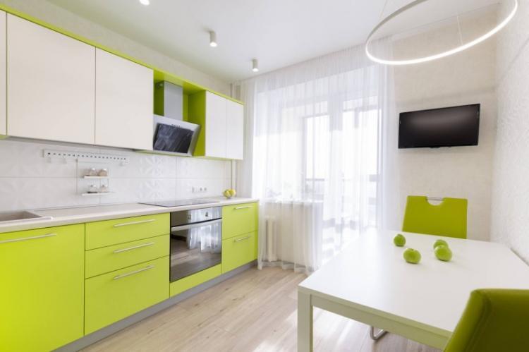 Отделка потолка - Дизайн кухни 8 кв.м.