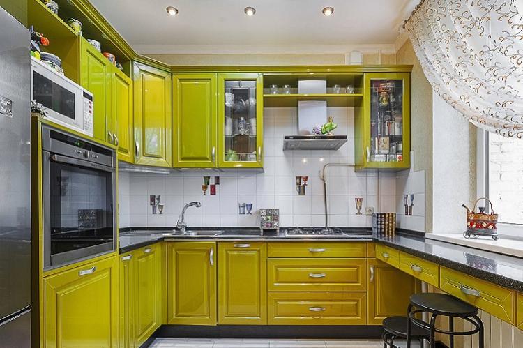 Отделка потолка - Дизайн кухни 9 кв.м.