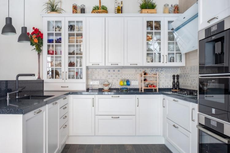 Дизайн кухни в классическом стиле (80 фото)
