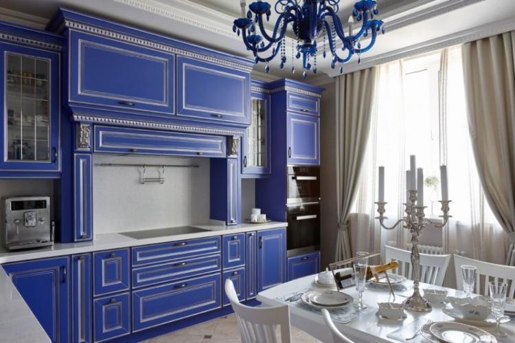 Шторы и текстиль - Дизайн кухни в классическом стиле