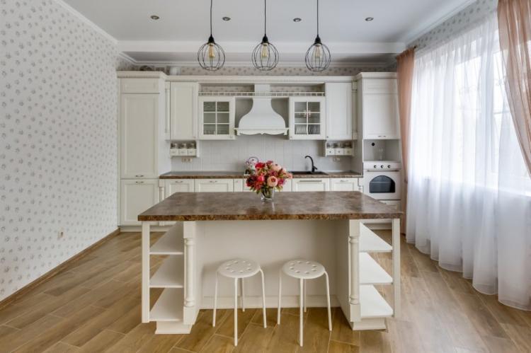 Отделка стен - Дизайн кухни в классическом стиле