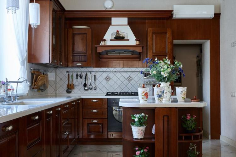 Дизайн кухни в классическом стиле - фото