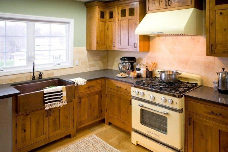 Угловая кухня в стиле кантри - Дизайн интерьера