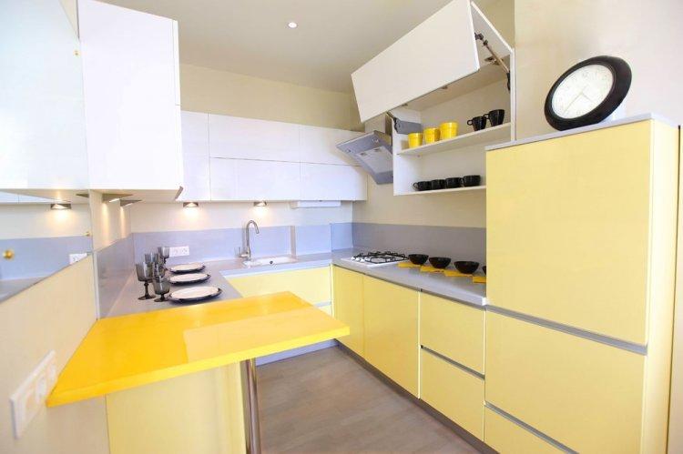 Яркие акценты - Дизайн кухни в стиле минимализм