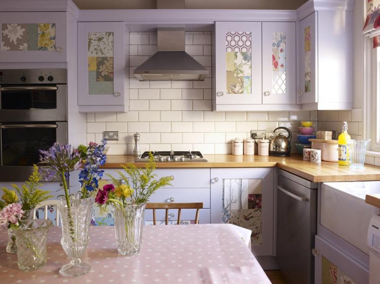 Дизайн маленькой кухни в стиле прованс