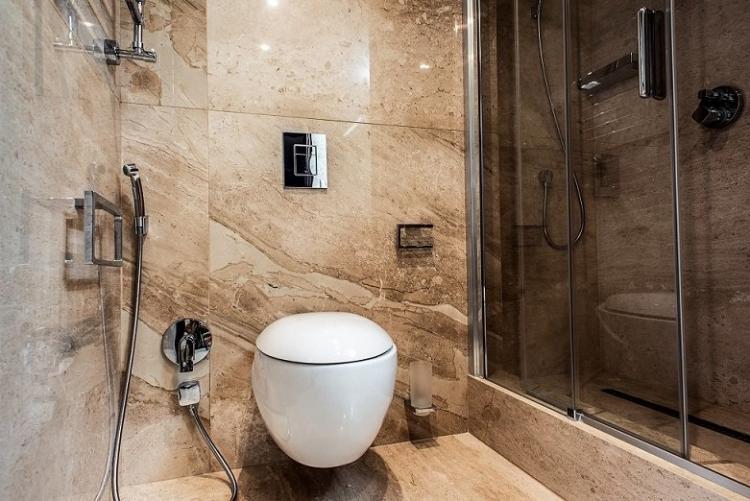 Объединение с ванной - Дизайн маленького туалета