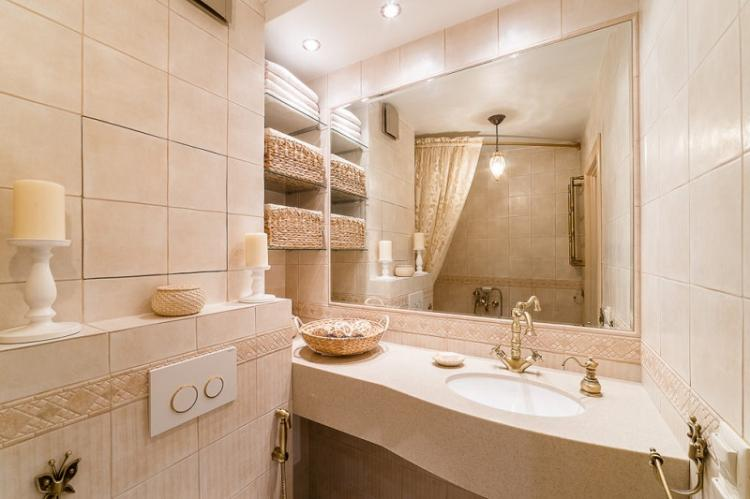 Ставка на светлые цвета - Дизайн маленькой ванной комнаты