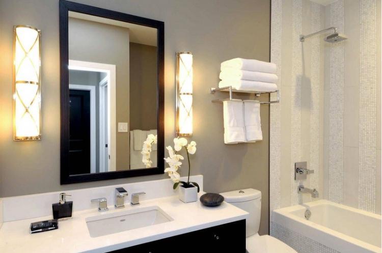 Особое внимание освещению - Дизайн маленькой ванной комнаты