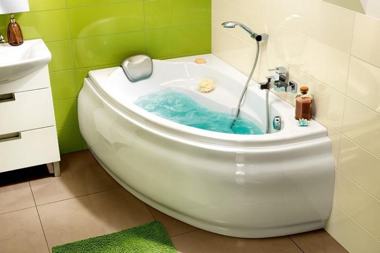 Задействуй углы - Дизайн маленькой ванной комнаты