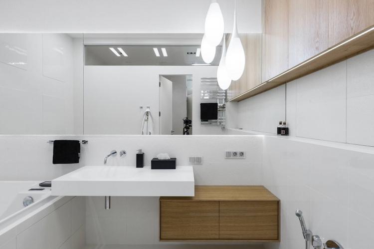 Больше зеркальных поверхностей - Дизайн ванной комнаты 3 кв.м.