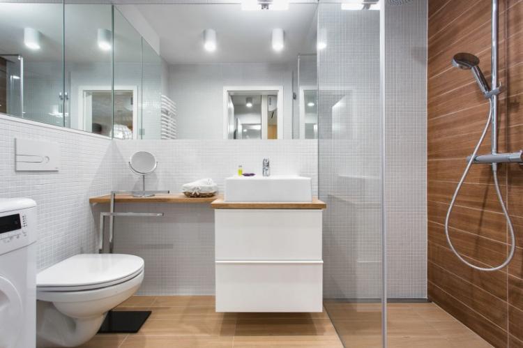 Многоуровневое освещение - Дизайн ванной комнаты 4 кв.м.