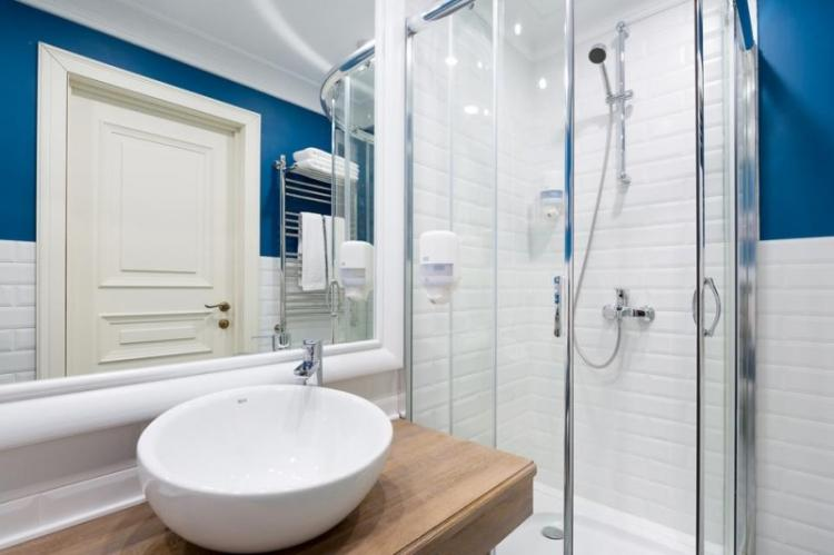 Ванные комнаты с душевой кабиной фото - 90 тыс