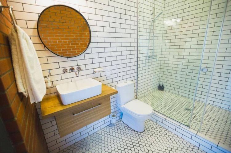 Отделка пола - Дизайн ванной с душевой кабиной