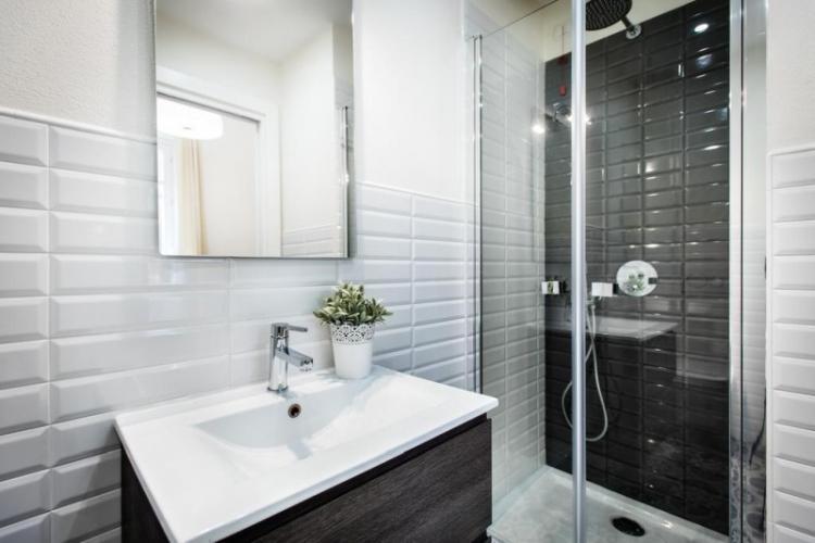 Раковина - Дизайн ванной с душевой кабиной