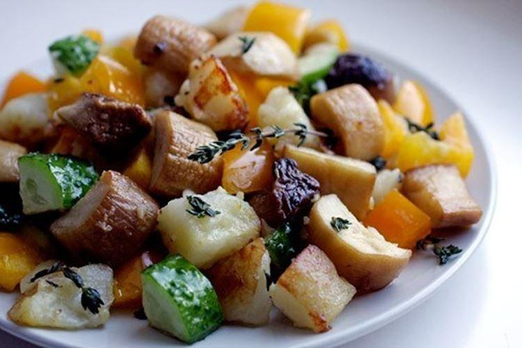 Картофельный салат с вешенками