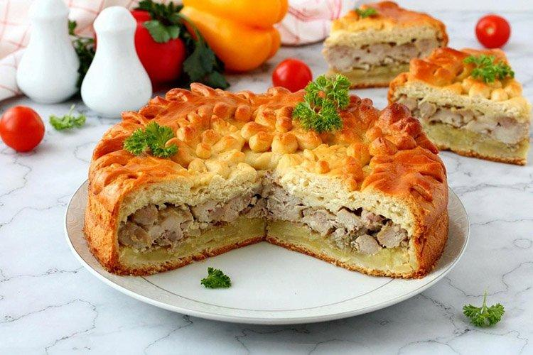Закрытый пирог-слойка с мясом