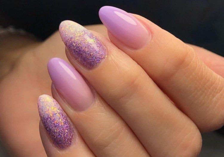 Бежево-фиолетовый маникюр