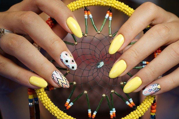 Молодежный дизайн ногтей 2021: красивые и модные идеи (50 фото)