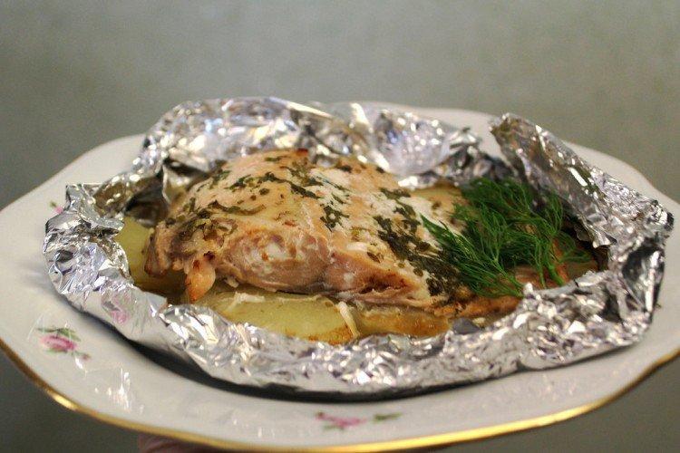 Рыба с яблоками в фольге